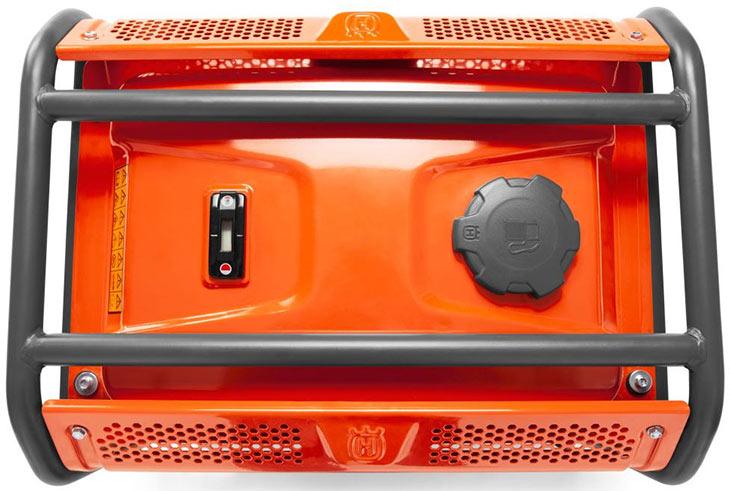 Внешняя крышка и указатель уровня топлива у Husqvarna-G1300P